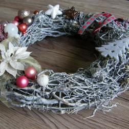 vianočný veniec z vŕbového prútia